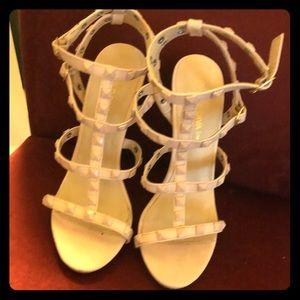 Light pink heels Valentino style